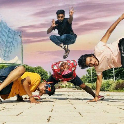 D Dancing Street -Dancer Profile Image