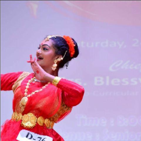 Gadha Meena Selvan -Dancer Profile Image